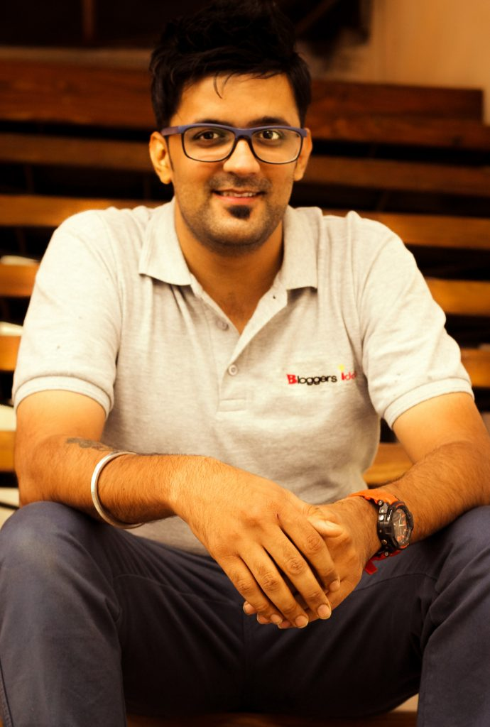 Jitendra vaswani blogger in india top  professional blogger  in india