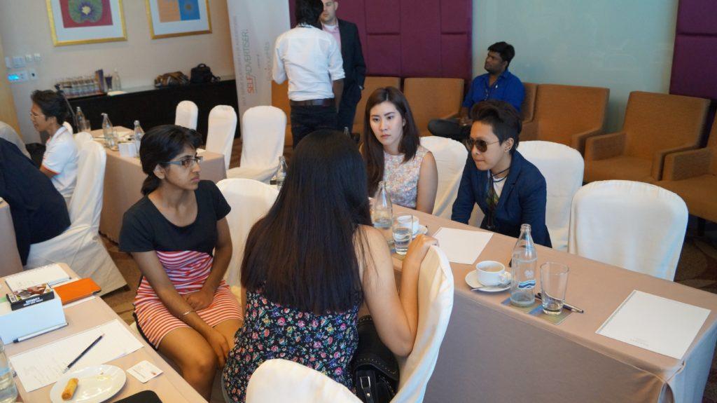 Revenuehits bangkok bloggers meet 2015 (45)