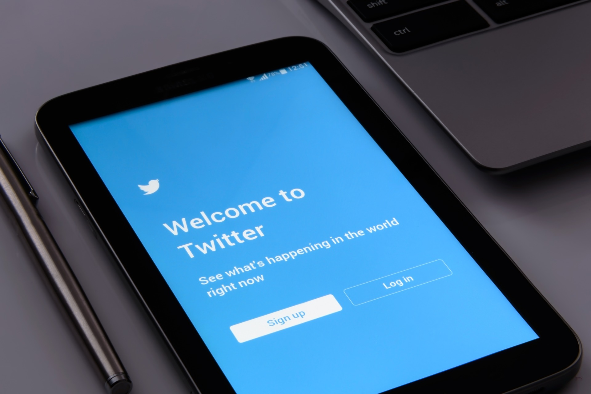 How to Grow Audience with Guest Blogging - Twitter search