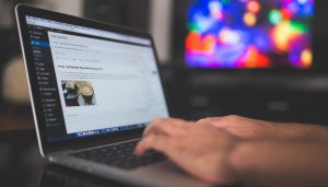 How to Grow Audience with Guest Blogging - title