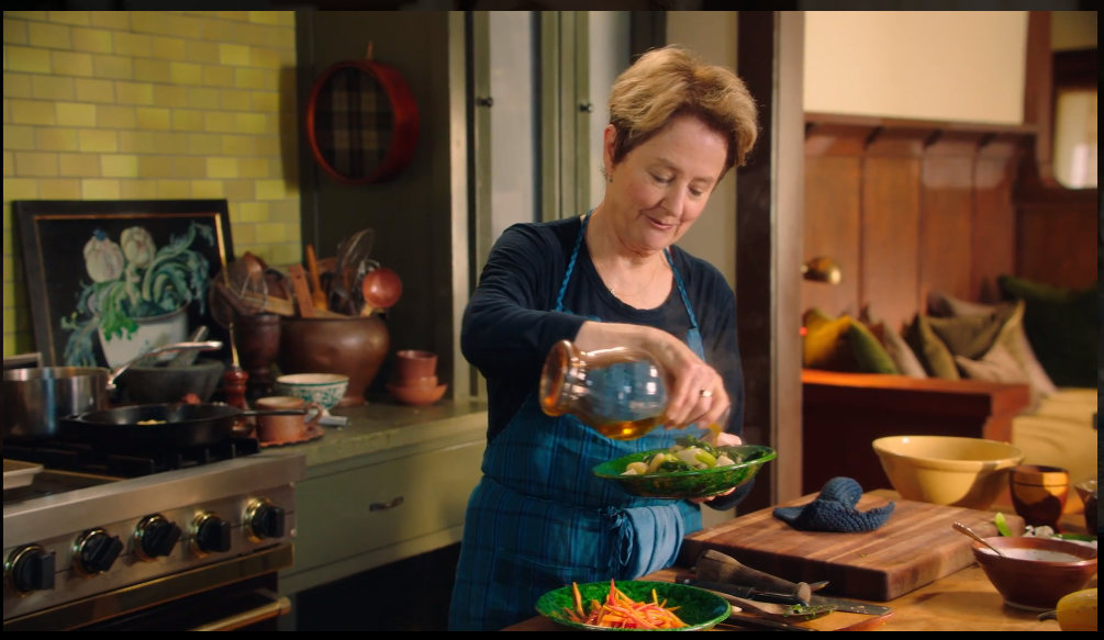 Alice-Waters-Teaches-The-Art-of-Home-Cooking-MasterClass - Making Dish